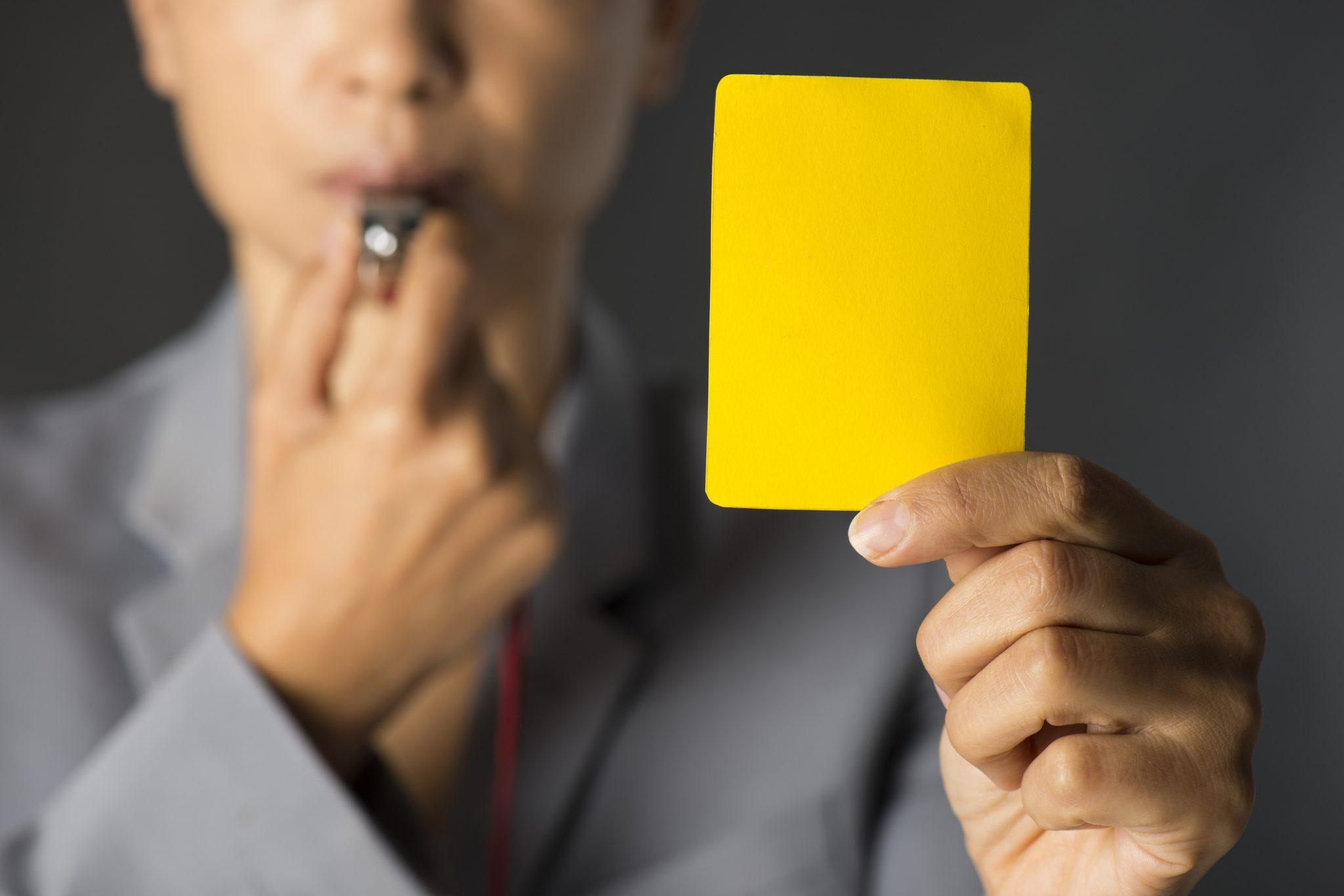 Carton jaune l'AMF banque investissement