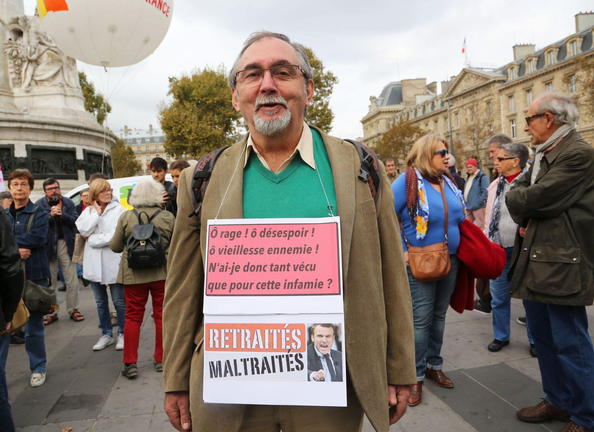 Paris les retraités manifestent