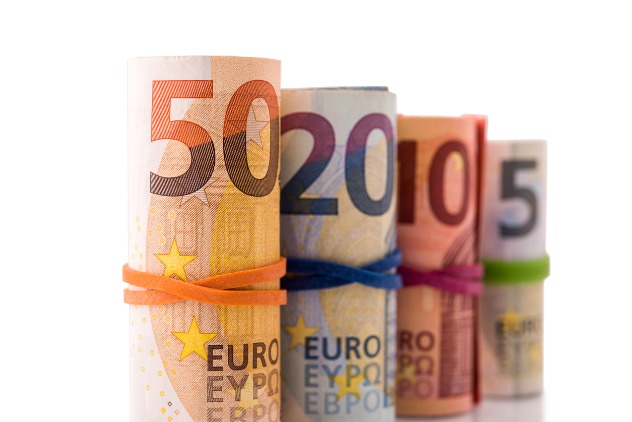 Bercy envisage d'alléger temporairement la fiscalité sur les petites donations entre générations.