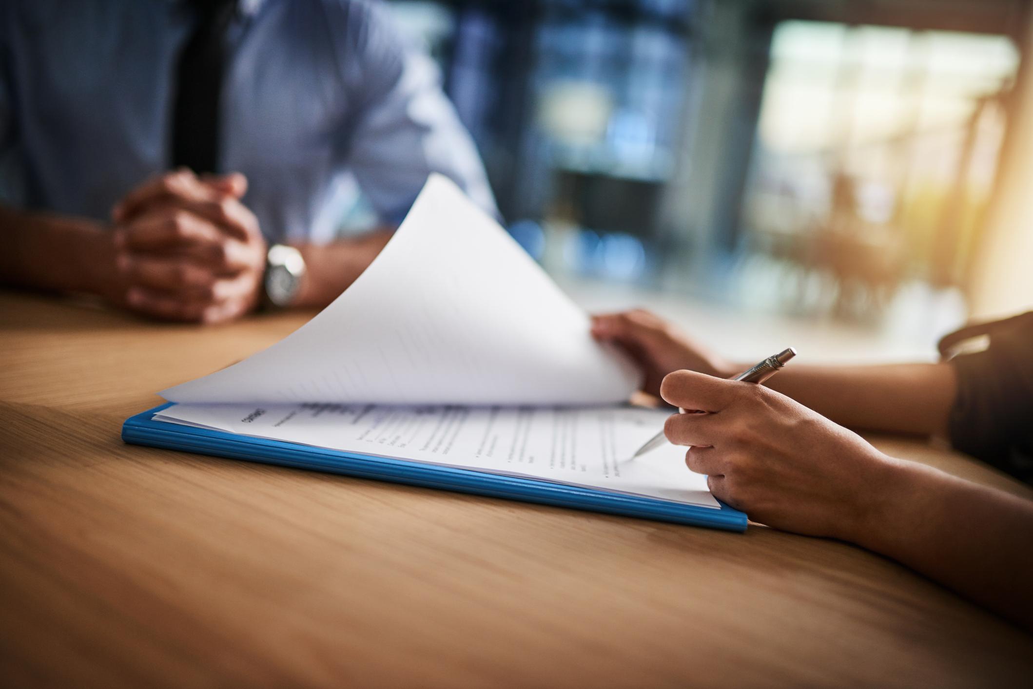 Le courtage en banque et en assurance réglementé par une réforme